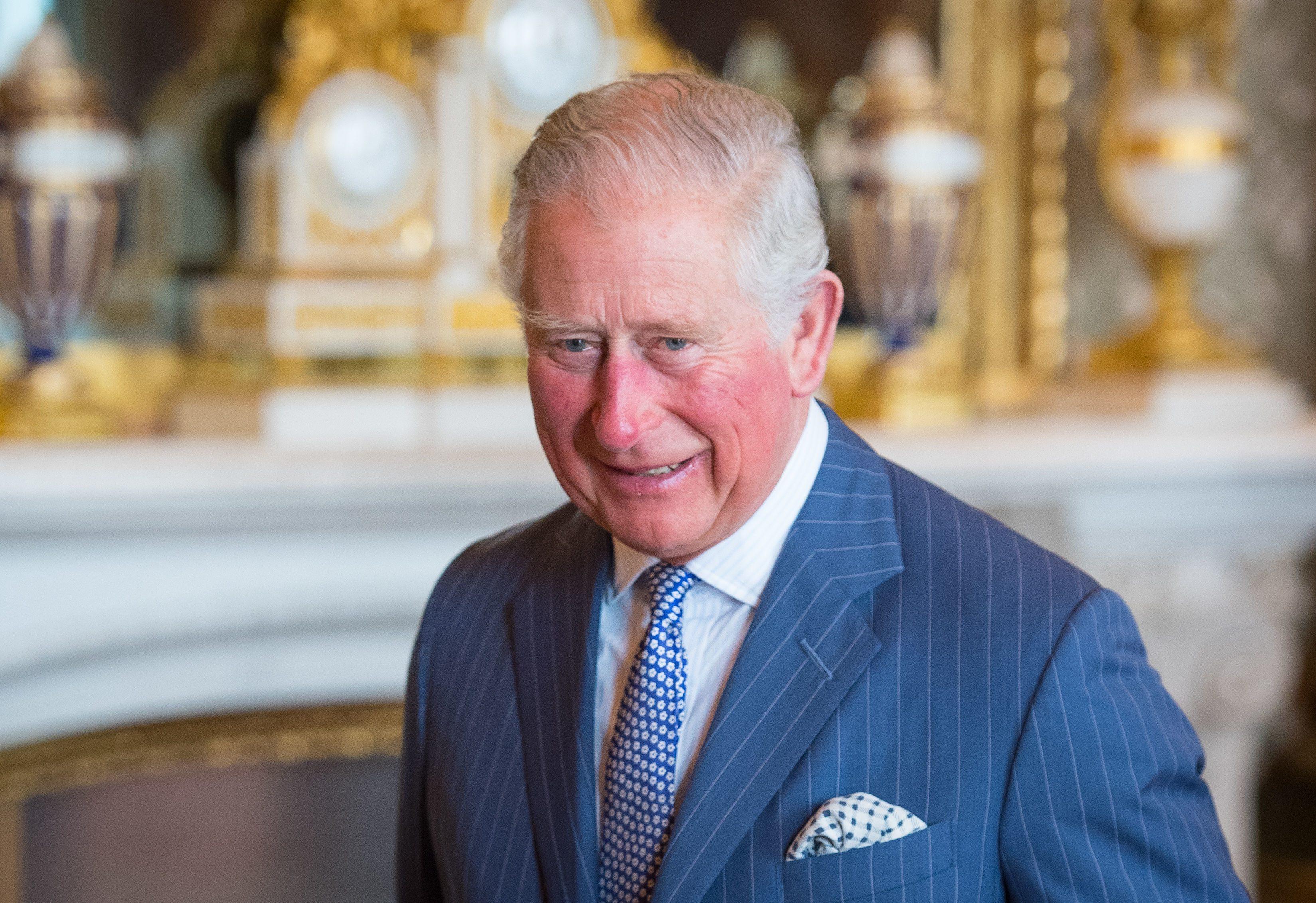 Costume Da Bagno Femminile In Inglese : Il principe carlo in costume alle barbados a anni ha ancora un