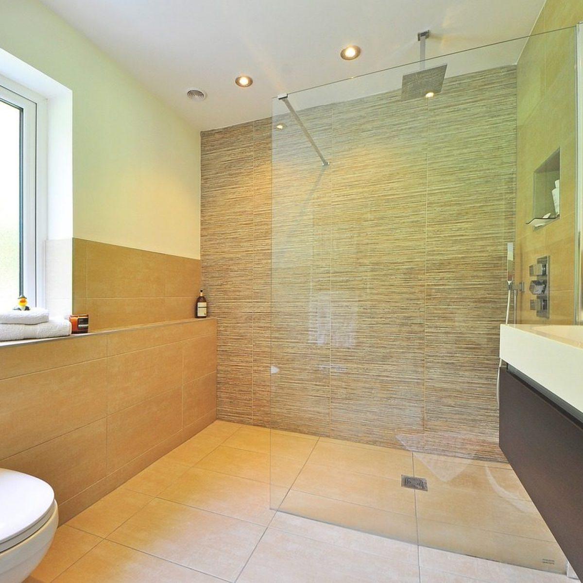 Pulire I Vetri Con Aceto come pulire il box doccia: i rimedi e i consigli per