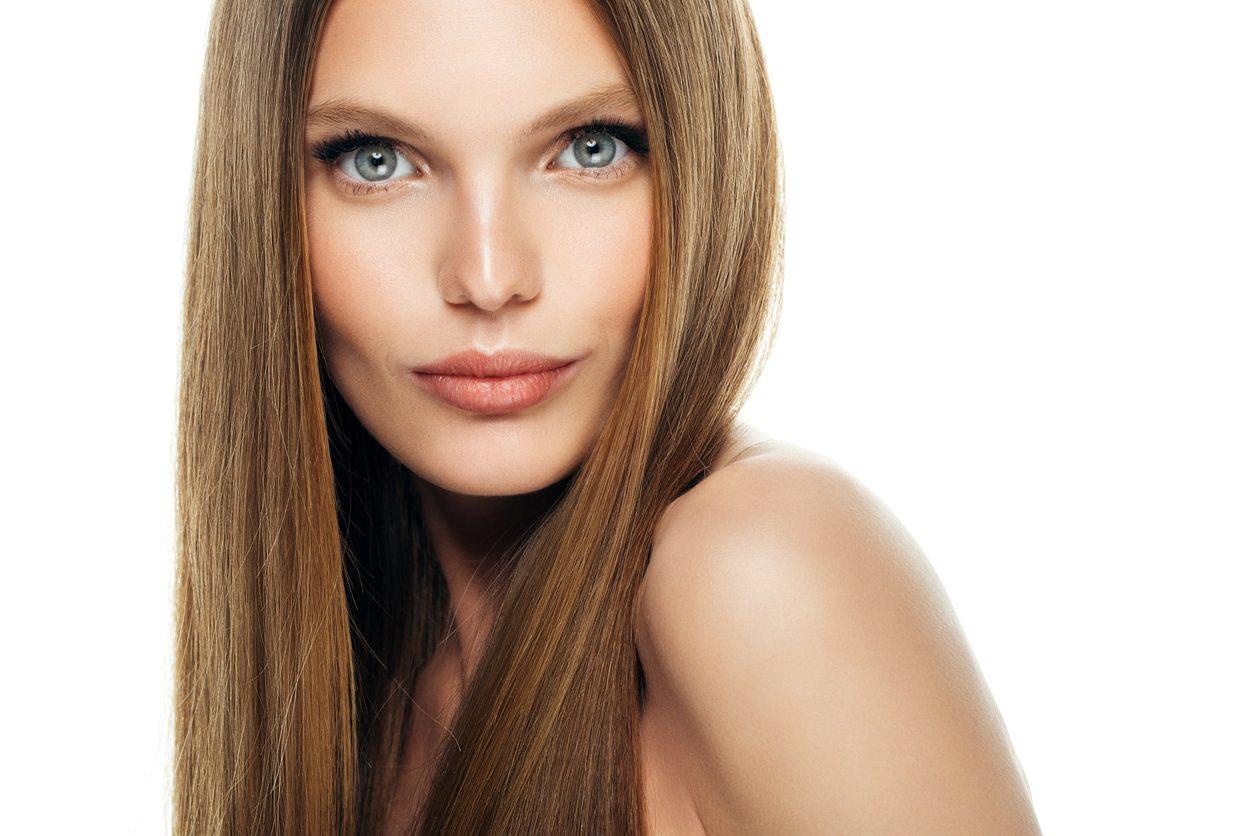 Come mantenere i capelli lisci più a lungo: i consigli per ...