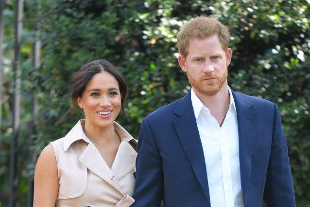 """Il principe Harry vola in Canada, dopo il """"divorzio"""" dai Royals torna da Meghan Markle"""
