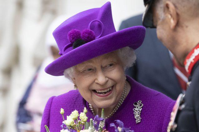 La regina Elisabetta rivela il segreto del suo sorriso perfe