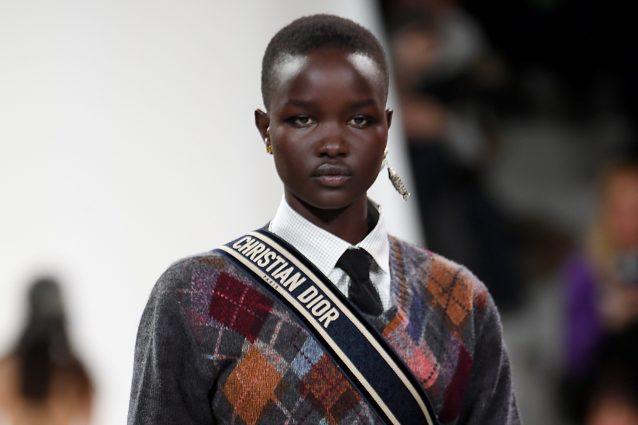 Parigi non si piega al coronavirus, al via la Settimana della Moda