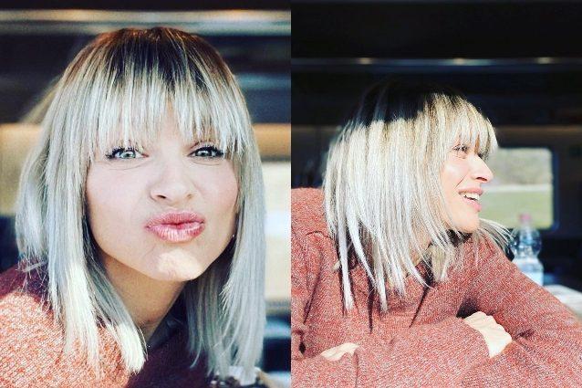 Alessandra Amoroso |  i capelli sono sempre più chiari |  sembrano bianchi ma le radici