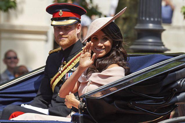 Harry e Meghan, l'addio ai Windsor è ufficiale anche sui soc