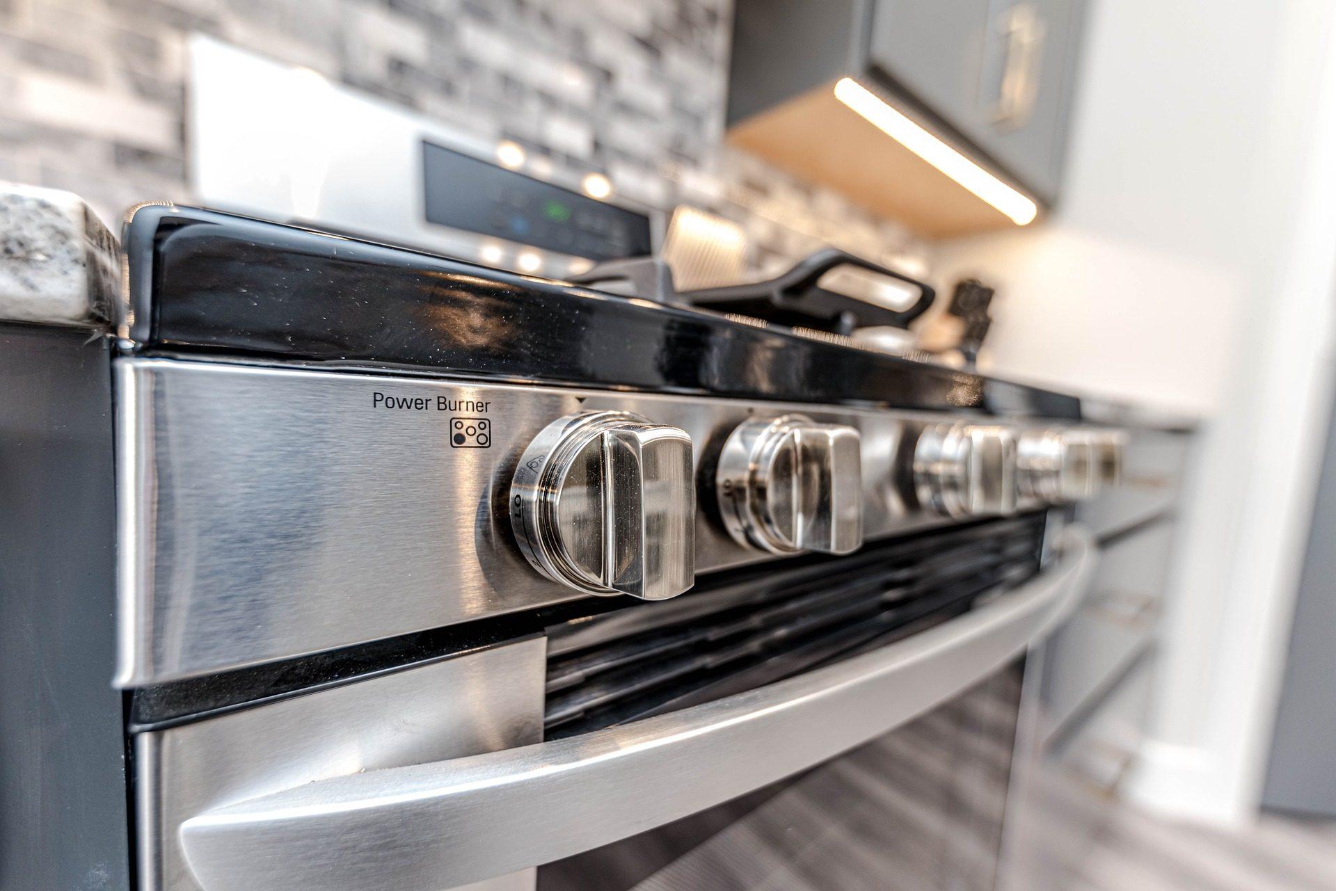 Pulire Ottone In Modo Naturale come pulire il forno senza detersivi con rimedi naturali