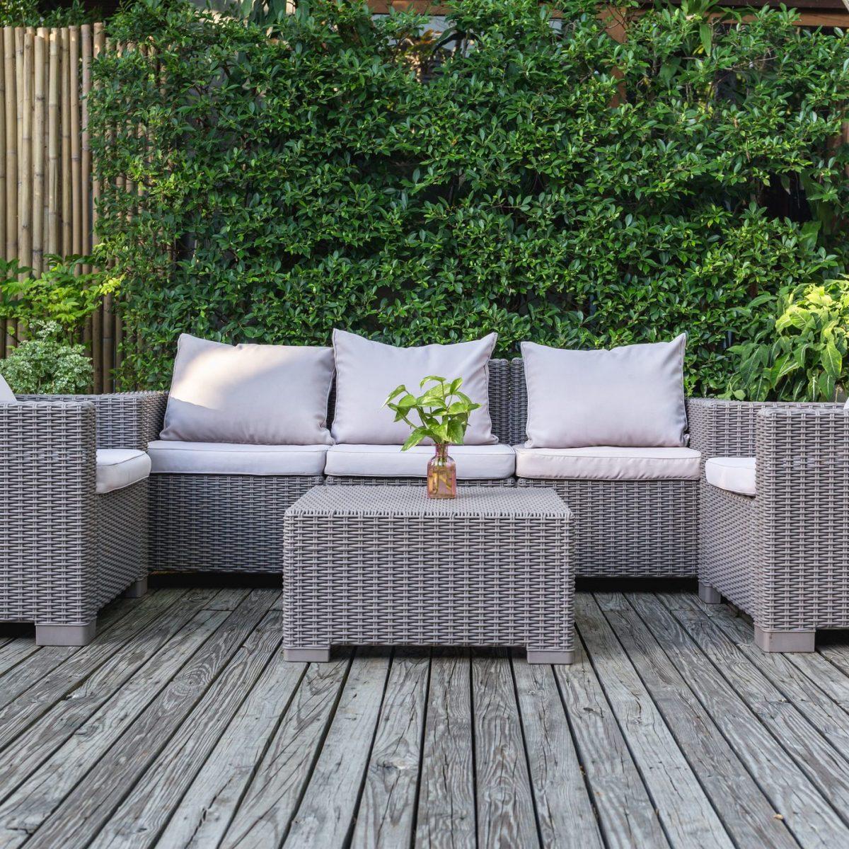 Divanetto Per Balcone Piccolo i migliori divani da esterno per il giardino
