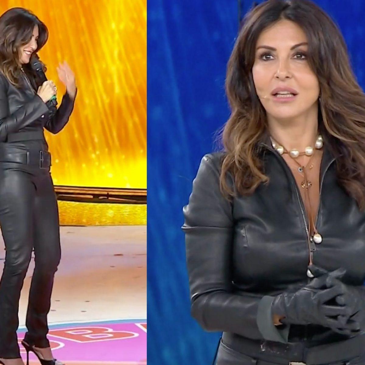 Amici Speciali Sabrina Ferilli Come Catwoman Con La Tuta In Pelle Balla I Trend Di Tik Tok