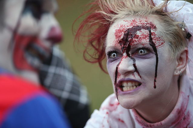 La marcia degli Zombie (Foto Sean Gallup/Getty Images).