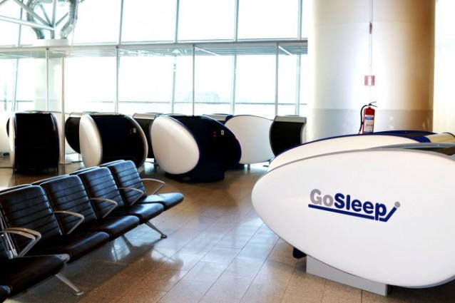 In Europa l'innovativa capsula-letto per dormire in aeroporto (FOTO)