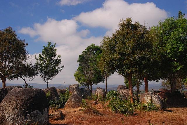 Le giare di pietra in Laos