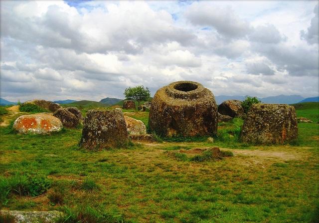 Giare antiche in Laos