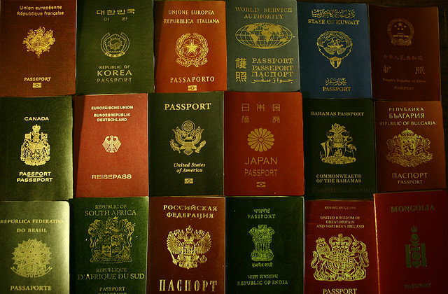 Tanti passaporti… ma a voi ne basta uno (foto Baigal Byamba).