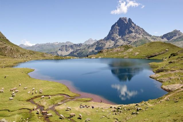 Lago Gentau sui Pirenei – Foto Wikipedia
