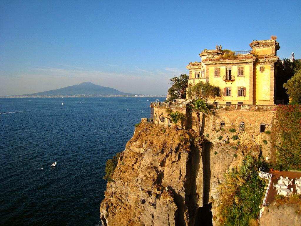 Ecco come trovare alloggio nei monasteri e quali regole for Dove andare in vacanza a novembre in italia