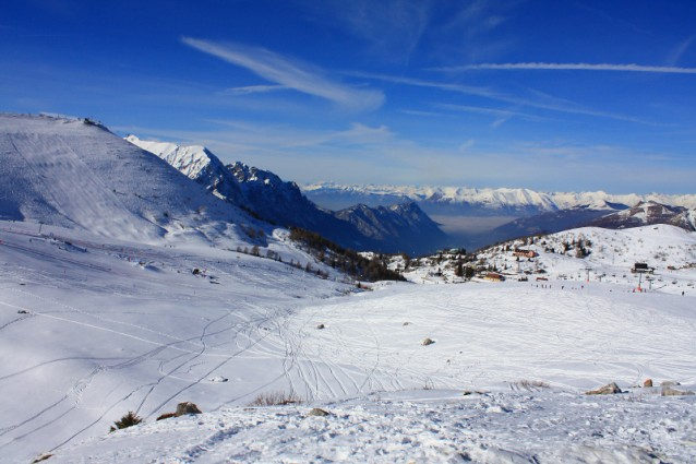 Piani di bobbio lo sci a pochi minuti da milano for Piani chalet sci