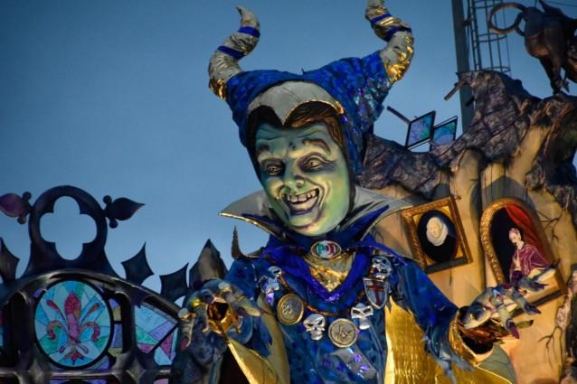 Renzi nel dettaglio di un Carnevale di Viareggio 2016 (foto Iacopo Giannini/LaPresse).
