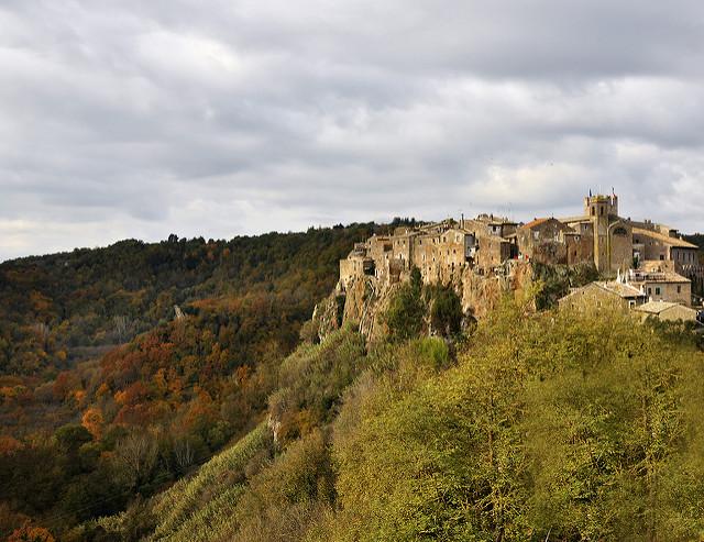 Calcata, un borgo sospeso che non conosce la modernità