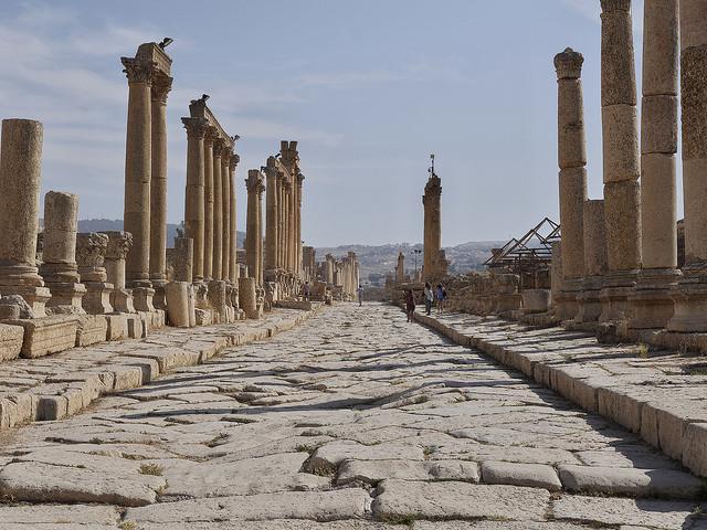 Viaggio tra le rovine di jerash un 39 antica citt romana in for Una storia ospita vicino a me