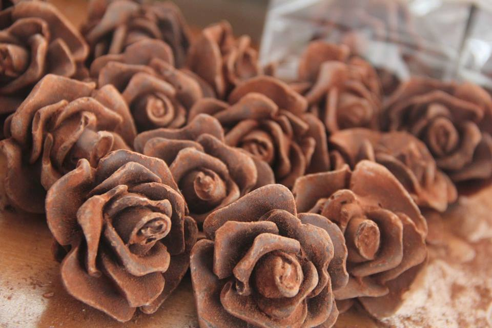Deliziose rose di cioccolato