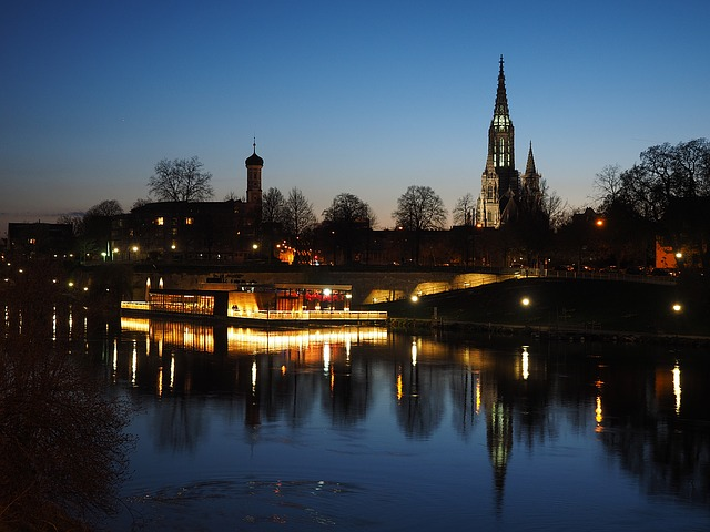 Serata sul Danubio a Ulm. Germania – Foto Pixabay
