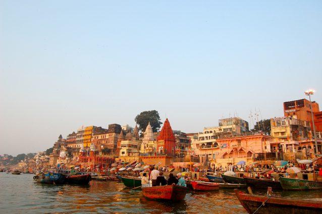 Le sponde del Gange. Foto di Manuel Menal