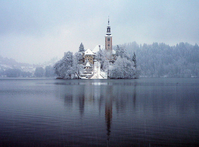 Bled sotto la neve – Foto Wikimedia Commons