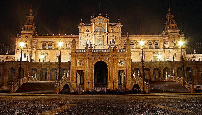 Piazza di Spagna di sera. Foto da Pixabay