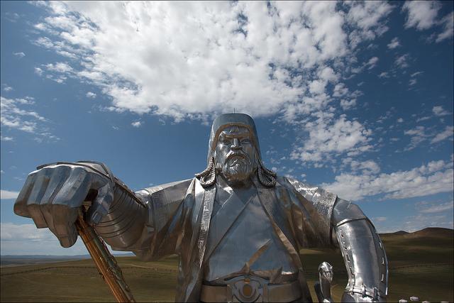 Statua di Genghis Khan. Foto di Ludovic Hillmarn