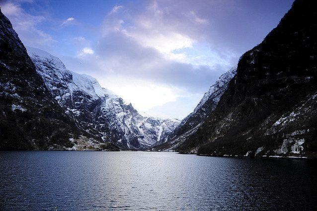 Nærøyfjord, il fiordo più stretto al mondo. Si tratta di un braccio del Sognefjord – Foto Kamil Porembiński