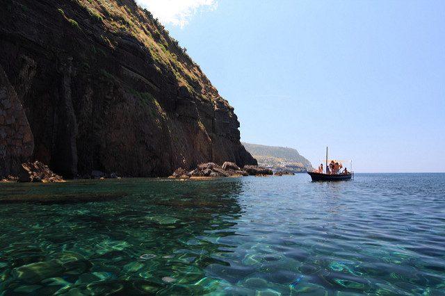Il meraviglioso mare di Salina – Foto Ghost–in–the–Shell