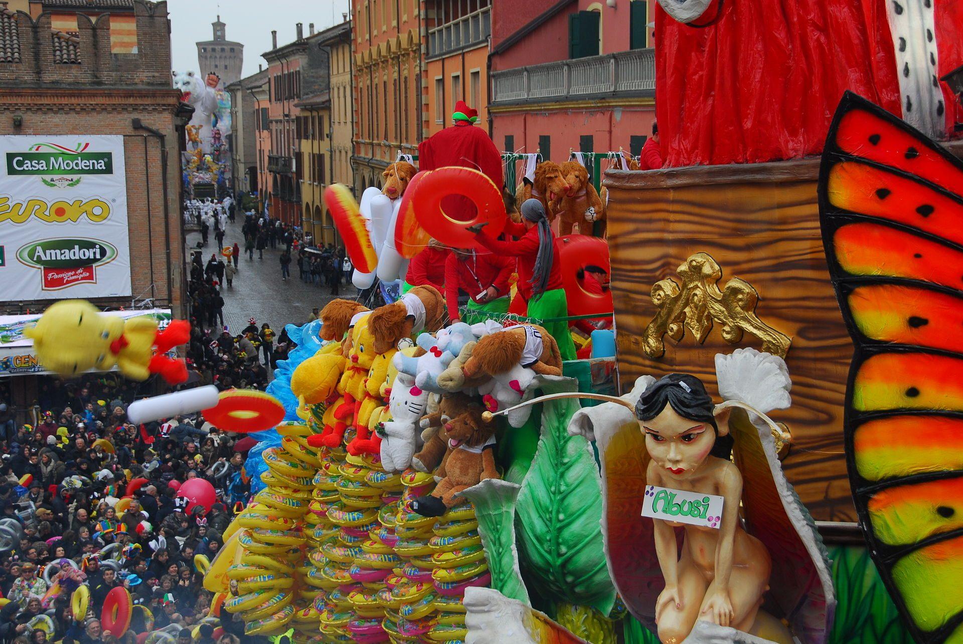 Carnevale di Cento. Foto da Wikipedia