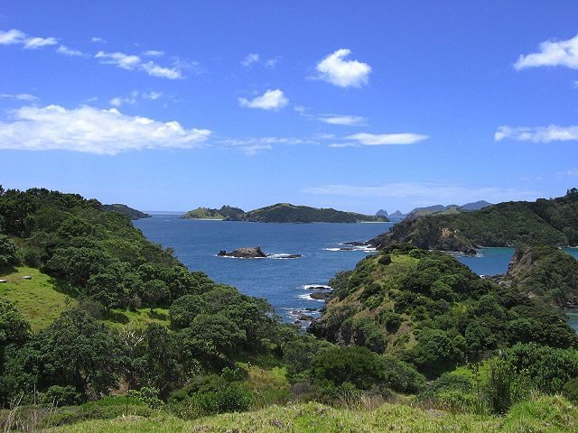 Bay of Islands – Foto Wikimedia Commons