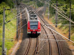 Treno. Foto da Pixabay