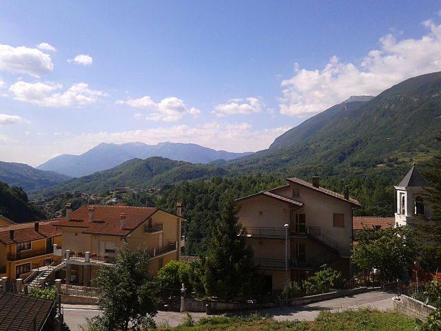Pescocanale, frazione di Capistrello – Foto Wikimedia Commons