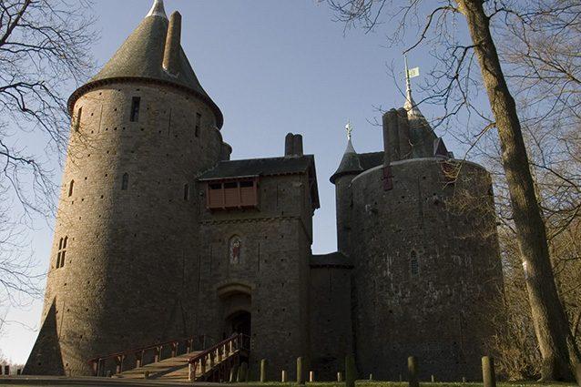 Esterno di Castell Coch (Wikipedia).
