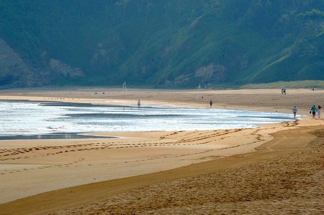 Playa de Rodiles. Foto di Andrea Avarado