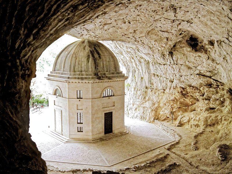 Tempio del Valadier. Foto da Wikipedia