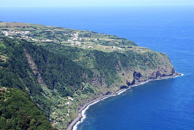Miradouro da Ponta da Madrugada – Foto Wikimedia Commons