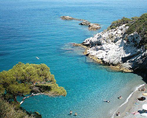Matrimonio Spiaggia Bergeggi : Le spiagge più belle della liguria
