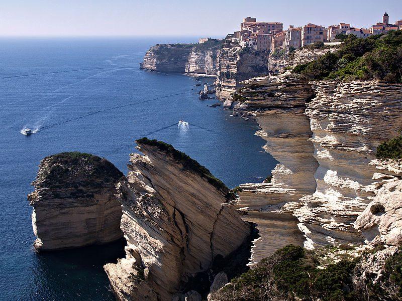 Bocche di Bonifacio. Foto da Wikipedia