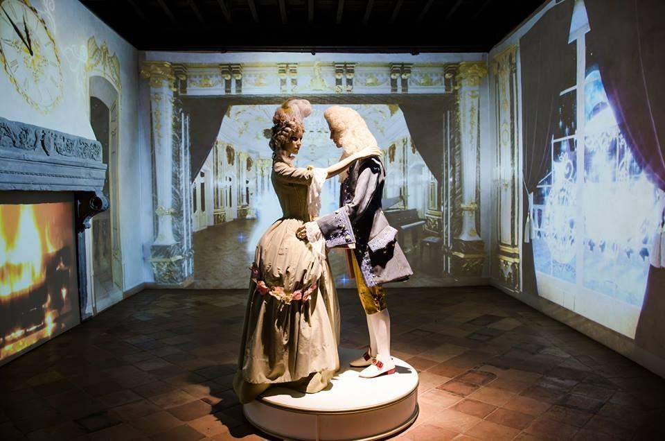 Il salone del ballo di Cenerentola nella Rocca delle Fiabe