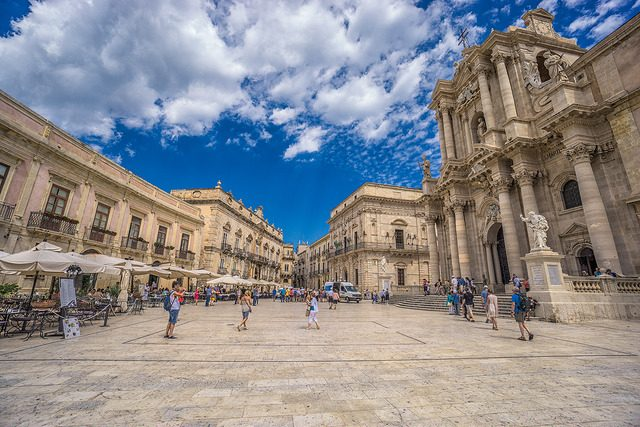 Piazza Duomo, Ortigia. Foto di Graeme Churchard