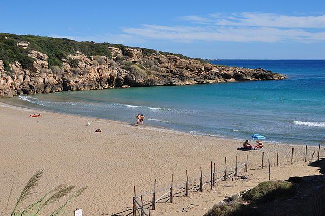 Spiaggia di Calamosche – Foto Wikimedia Commons