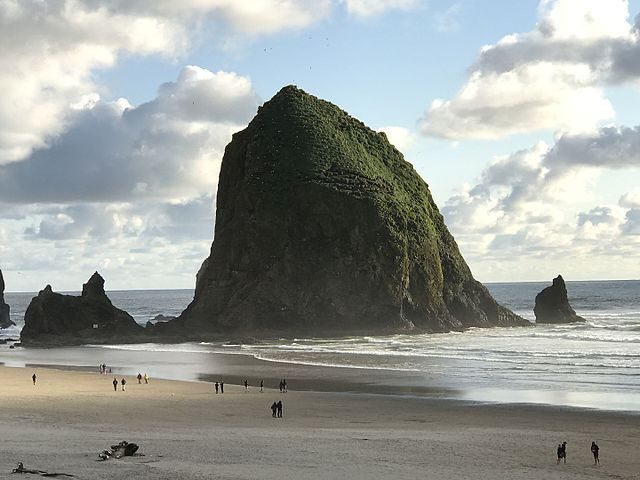 Haystack Rock, USA – Foto Wikimedia Commons