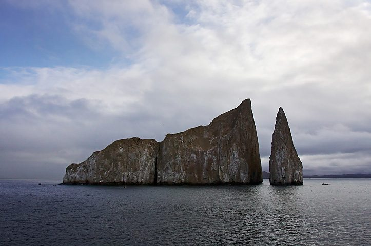 Kicker Rock, Isole Galapagos – Foto Wikimedia Commons