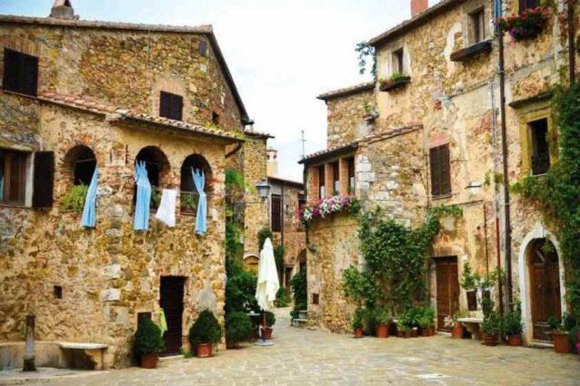 Centro storico di Montemerano