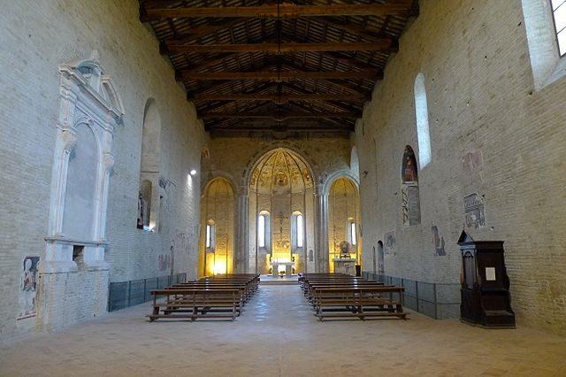 Santa Maria della Rocca, interno – Foto Wikimedia Commons