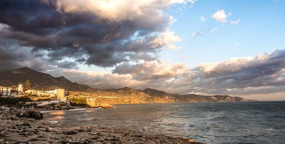 Tramonto sulla spiaggia di Malaga