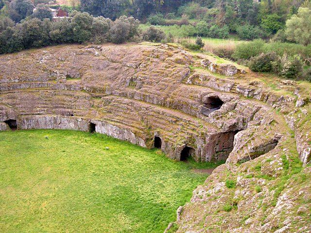 Anfiteatro di Sutri – Foto Wikipedia