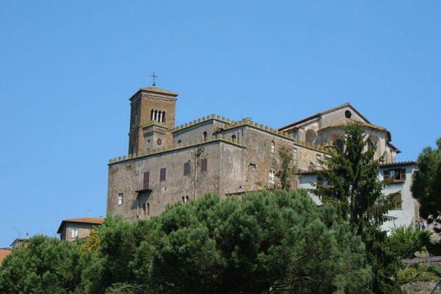 Sutri, Santa Maria Assunta e Palazzo Vescovile – Foto Wikipedia Commons